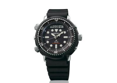seiko SNJ025P1  Primo cronografo subacqueo dotato della funzione di allarme, ideato nel 1982. Questo modello in nero è presente anche in un'altra variante di colore.